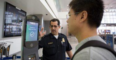 ACLUはハワイの空港での顔認識技術の使用を懸念しています