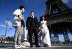 Nëmmen Trapen: den Eiffeltuerm empfänkt haut Touristen