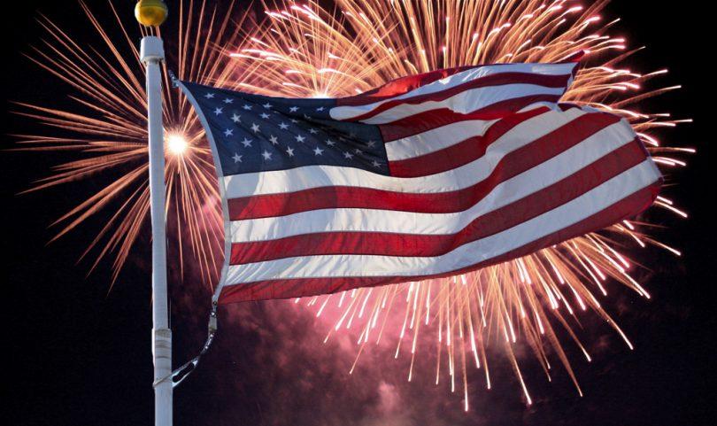 COVID-19 e 4 de julho: 78% dos americanos gastarão menos dinheiro este ano