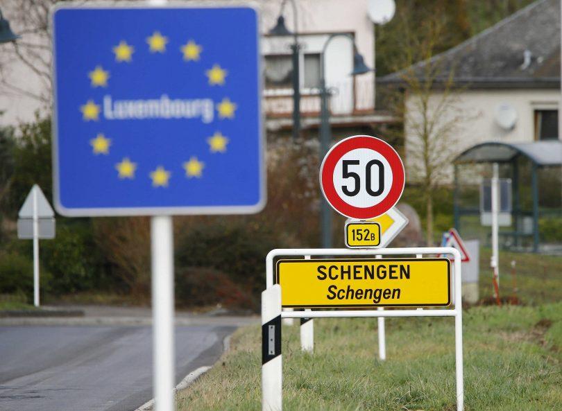 اتحادیه اروپا مرزهای بازدید کنندگان از 18 کشور ، ایالات متحده و روسیه را که در این لیست نیستند ، دوباره باز می کند