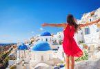 A Grecia deve attirà turisti per riavviare a so ecunumia