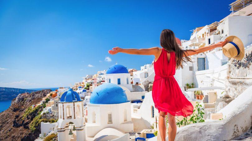 یونان برای راه اندازی مجدد اقتصاد خود باید گردشگران را به خود جلب کند