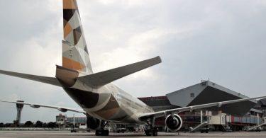 شرکت هواپیمایی اتحاد برای اولین بار در هاوانا ، کوبا فرود می آید
