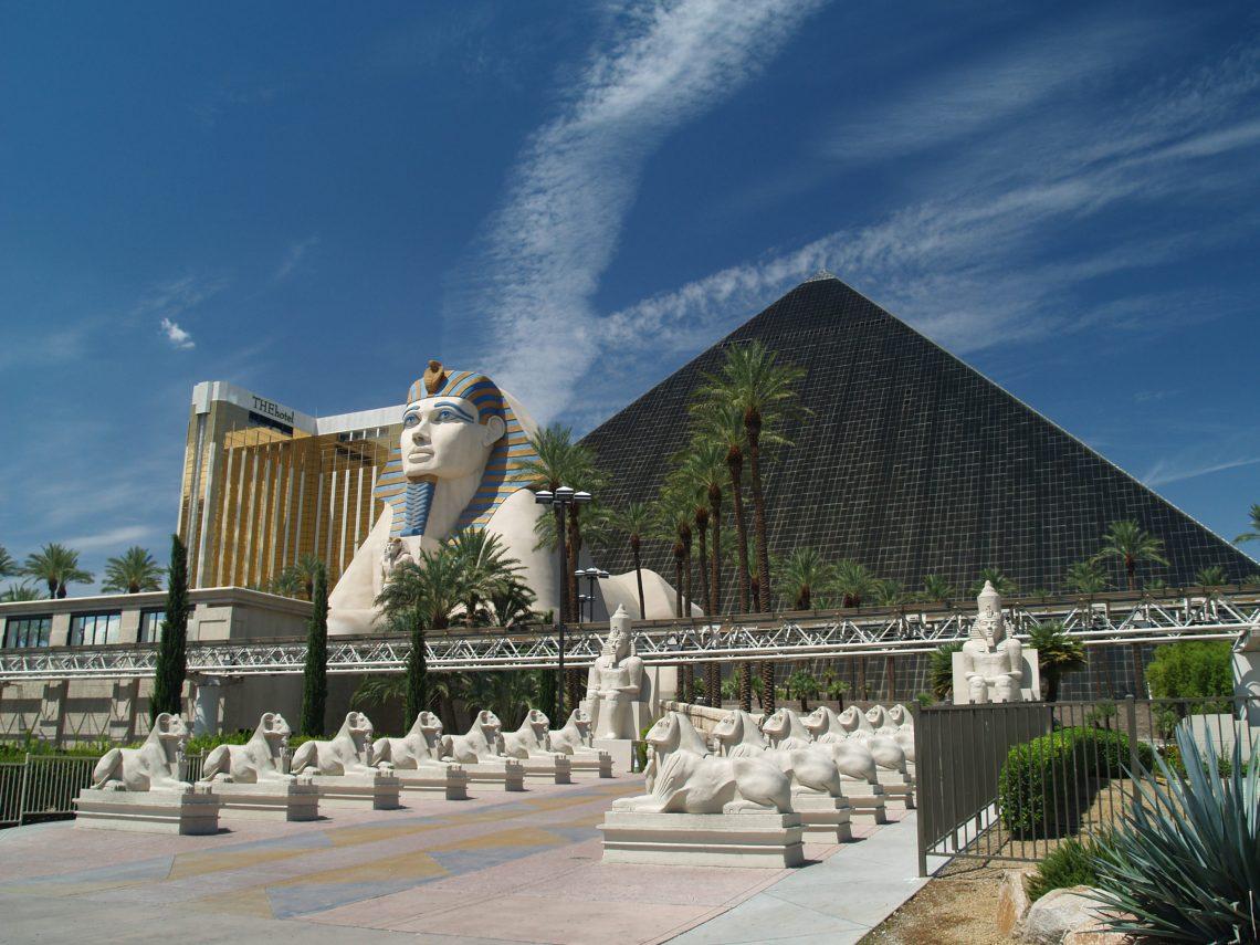 MGM Resorts kundiget weriepening oan fan Luxor, Mandalay Bay en ARIA