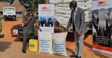 アフリカ野生生物財団が食糧救済を寄付