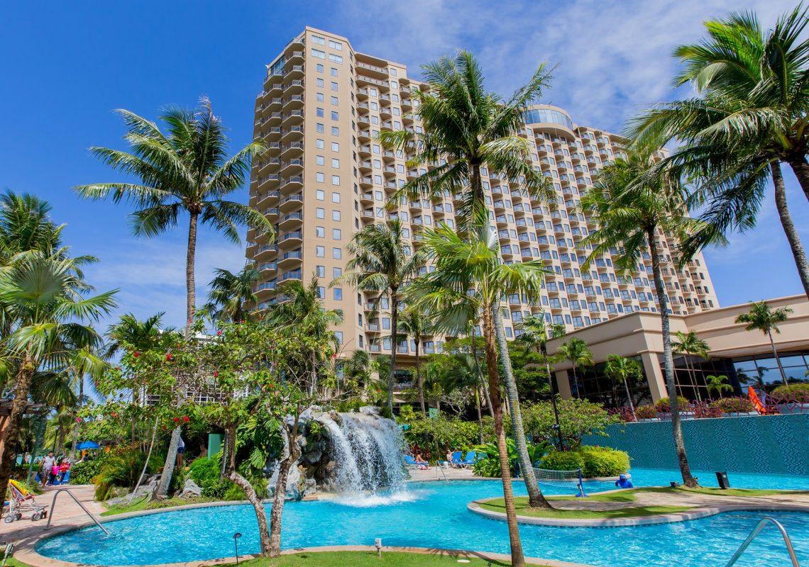 デュシットはグアムにビーチホテルとショッピングセンターを追加します