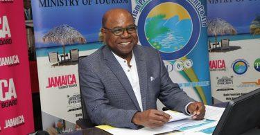 Ny Minisitry ny fizahantany ao Jamaika dia manao famelabelarana momba ny fanokafana eo afovoan'ny COVID-19