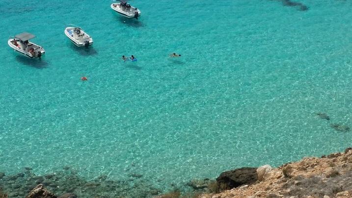 اپراتورهای گردشگری Lampedusa با صدای بلند زنگ هشدار را ارسال می کنند