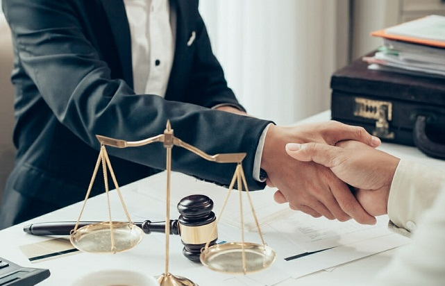 How Can an SEC Lawyer Help You?