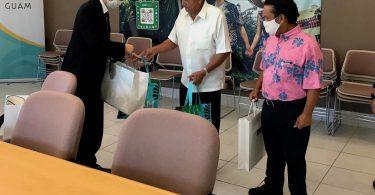 دفاتر بازدید کنندگان گوام با جنرال سرکنسول جدید کوبایاشی ژاپن دیدار می کند