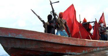 Piráti zaútočili na tanker v Guinejském zálivu, unesli 13 námořníků