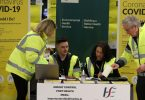 Ministeri: Irlanti säilyttää COVID-19-karanteenin Yhdistyneen kuningaskunnan ja Yhdysvaltojen vierailijoille