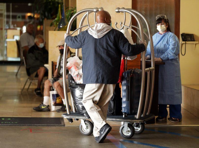 Hotelový průmysl, vzpínající se z ekonomického spadu Covid-19, volá o pomoc