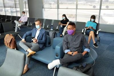 شرکت هواپیمایی یونایتد نیازهای ماسک را به فرودگاه ها گسترش می دهد
