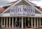 A Pakistan Tourism Development Corporation chjude i so motel, lascia u persunale