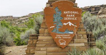 Maeto a Amerika a Rorisa Ntlo ea Phakeng ea National Parks ea Billavel
