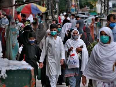 Islamabad fèmen otèl, tach touris, pak piblik sou menas COVID-19