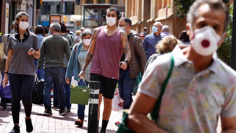 ماسک های صورت در حال حاضر و در هر زمان در مادرید اجباری هستند