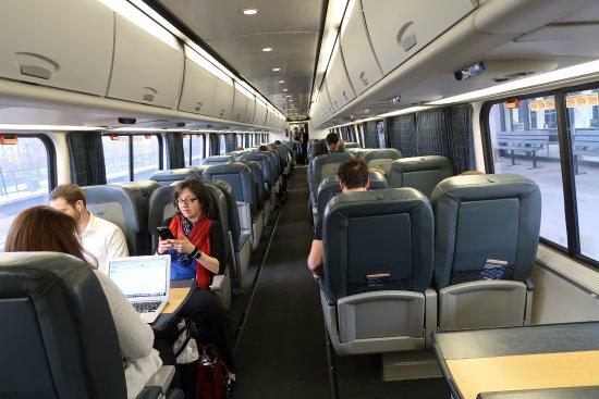 Amtrak پیشنهادات صندلی های رزرو شده را برای مسافران کلاس تجاری Acela گسترش می دهد