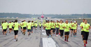 مسابقه باند خیریه فرودگاه بوداپست برای ادامه