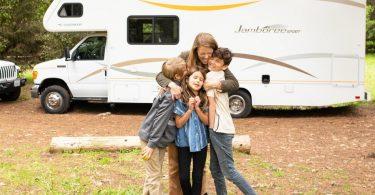 94٪ خانواده های آمریکایی برای یافتن خوشبختی در جاده ها گام برمی دارند