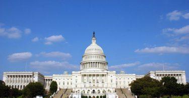 اقدام جسورانه کنگره مورد نیاز است: سفر ایالات متحده در واکنش به فرو رفتن اقتصادی واکنش نشان می دهد