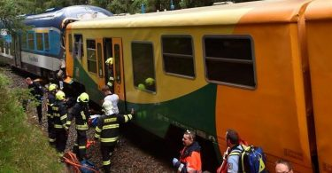 3 people killed, dozens wounded in Czech passenger train collision