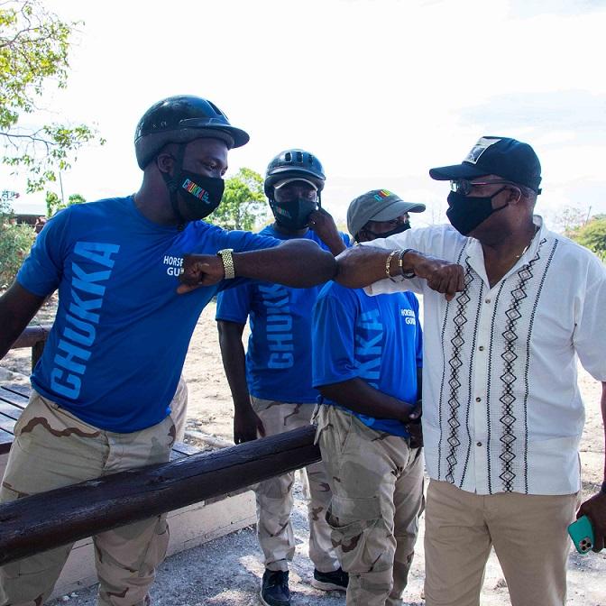 पर्यटक आकर्षण को जमैका कर्मचारी काम मा फर्कन को लागी धन्यवाद