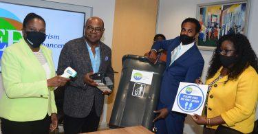Turistika na Jamajce zpřístupňuje malým firmám více než 2 miliardy USD