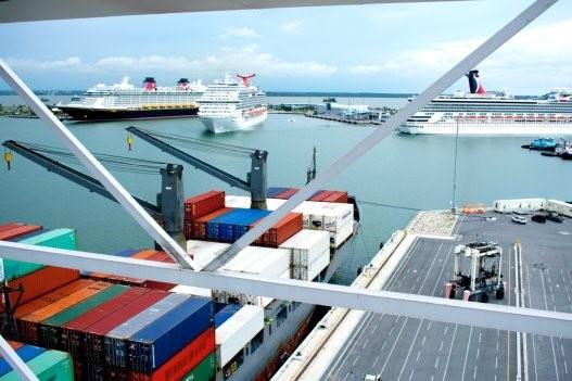 Port Canaveral: Kritikus enyhülés szükséges a COVID-19-től