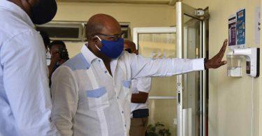 الامتثال أو الإغلاق: وزير السياحة في جامايكا يحذر الفنادق والمنتجعات