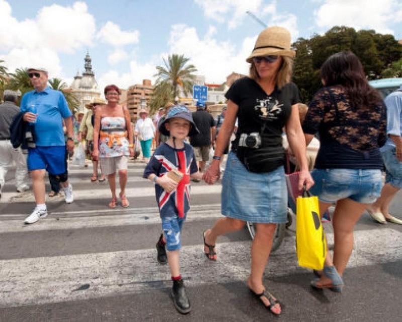 Indústria de turismo da Espanha terá dificuldades com a remoção dos corredores de viagens do Reino Unido