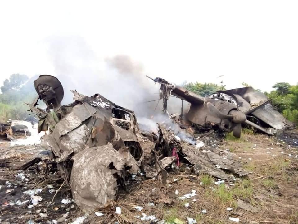 Paling ora nem wong tiwas nalika pesawat mabur awis ing Sudan Kidul