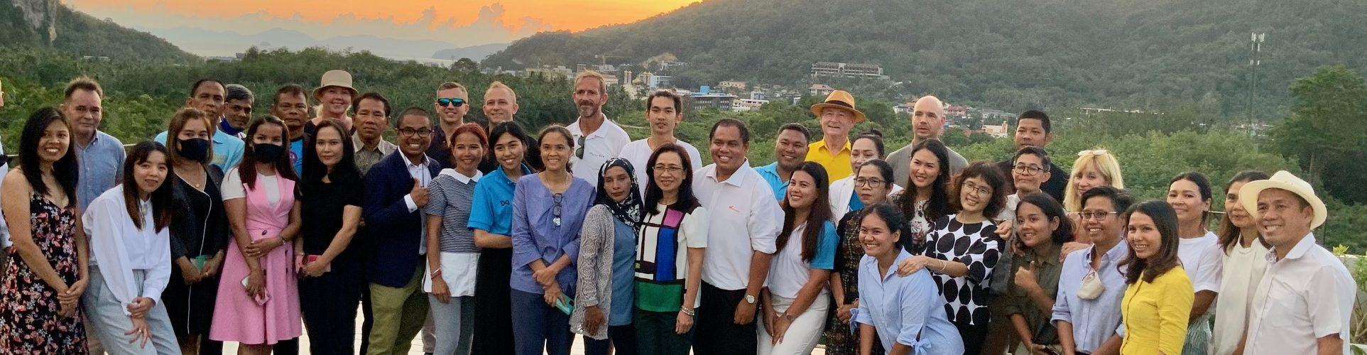 Autoriteti i Turizmit Tajlandë pret Takimin e parë Neutral të Karbonit Karbon