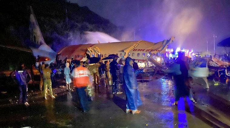 در فرود سقوط هواپیمای Air India Express 15 نفر کشته و 123 نفر زخمی شدند