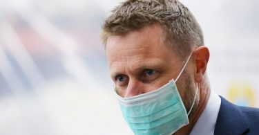 नॉर्वे नागरिकों से आग्रह करता है कि वे स्वास्थ्य, बेंट होई की विदेश यात्रा से बचें