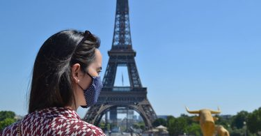 Face masks now mandatory at all tourist spots in Paris
