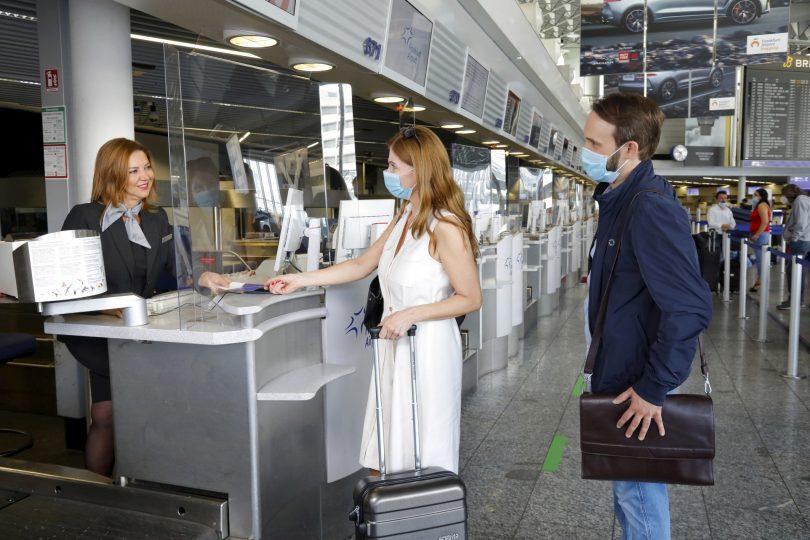 """اولین فرودگاه آلمان در فرودگاه فرانکفورت که مهر و موم با کیفیت """"Safe from COVID-19"""" را دریافت می کند"""