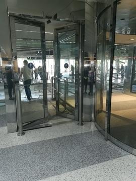 حمله تروریستی در لبنان: فرودگاه بندر و بیروت