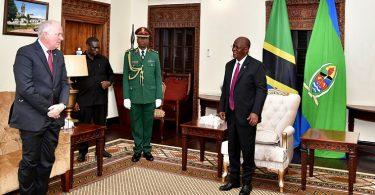 タンザニアの新しい米国大使がついに任務のツアーを開始します