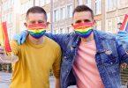LGBTQ 사람들은 폴란드를 떠나고 있습니다