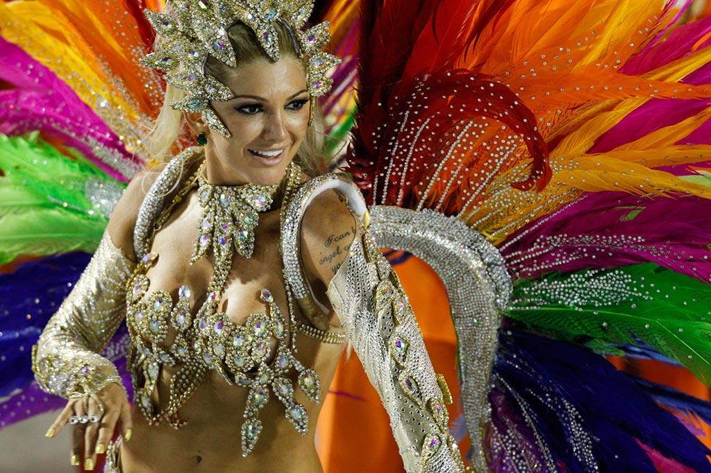 Rio de Janeiro Carnival ranvwaye endefiniman sou pandemi COVID-19