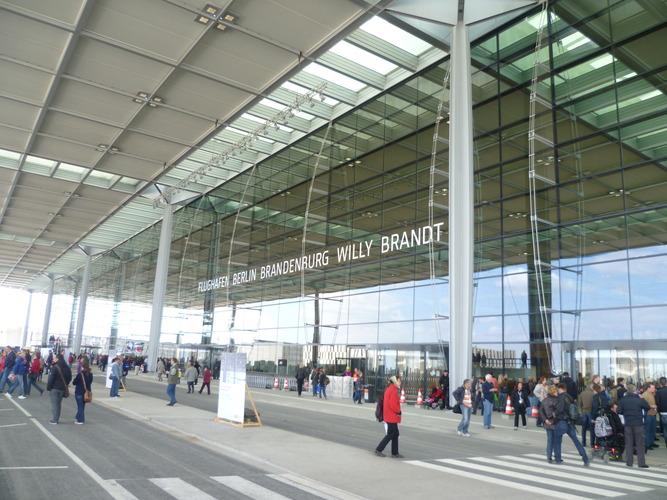 New Berlin Brandenburg airport to open October 31