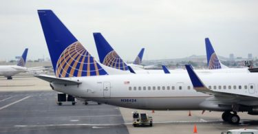 شرکت هواپیمایی یونایتد ظرفیت محدودی را به برنامه ماه اکتبر اضافه می کند