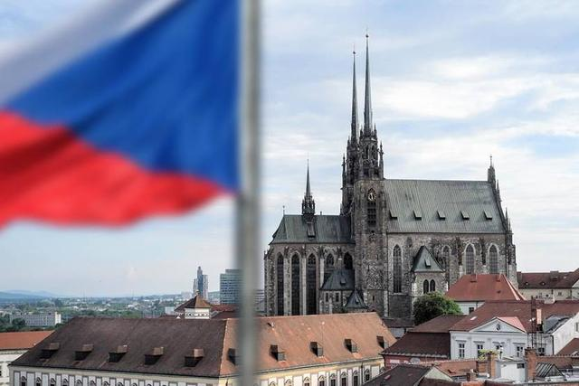 الصين تصدر نصائح سفر لجمهورية التشيك بسبب ارتفاع معدلات انتشار فيروس كورونا