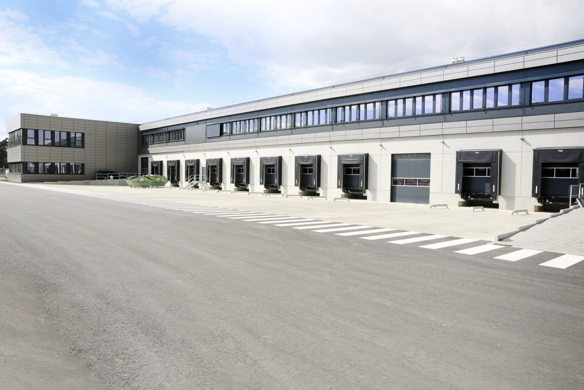 FRAPORTHHands Over New Air Cargo Warehouse to Swissport-era