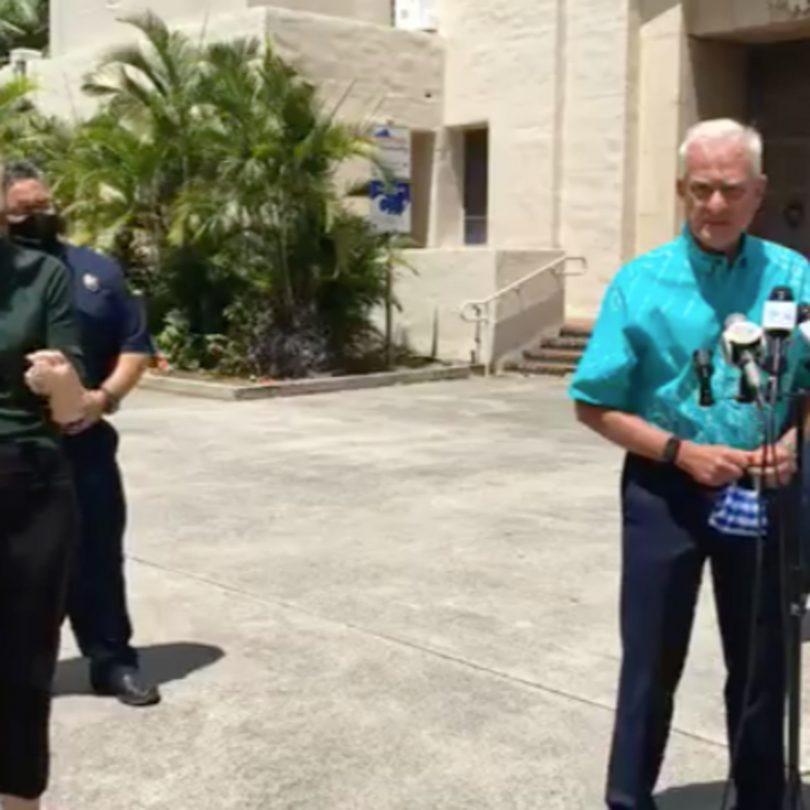 El alcalde de Honolulu, Caldwell, no está de acuerdo con los viajes de EE. UU. Y extiende el bloqueo de Honolulu por 2 semanas más