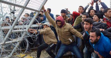 ギリシャがトルコ国境に壁を築き、移民の侵入を食い止める