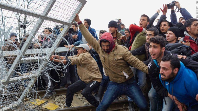 یونان ترک مہاجرین کے حملے کو روکنے کے لئے ترکی کی سرحد پر دیواریں تعمیر کرے گا