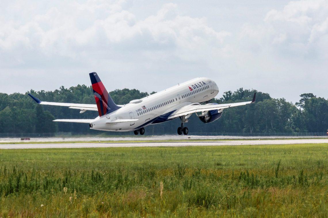 Delta Air Lines reçoit le premier avion Airbus A220 assemblé aux États-Unis